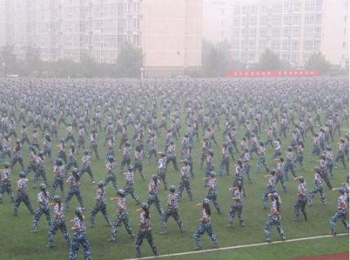 北京服装学院 hnd项目 2010级新生军训纪实