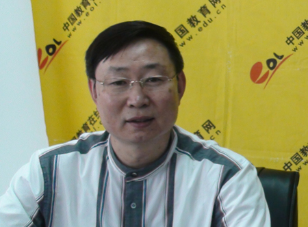 青岛理工大学研究生处处长王旭春 查看视频