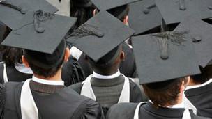 英国大学被指为更大利润降低标准录取国际生源